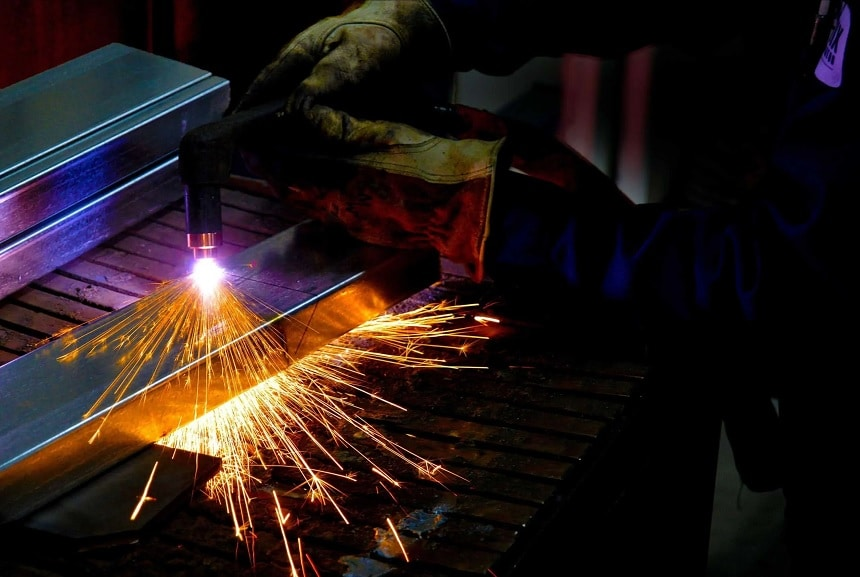 8 Best Plasma Cutters under $500 – An Affordable Way to Make Clean Cuts