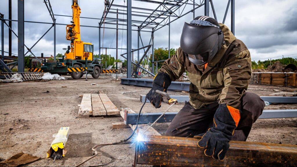 4 Ways for Welding in the Rain Effectively
